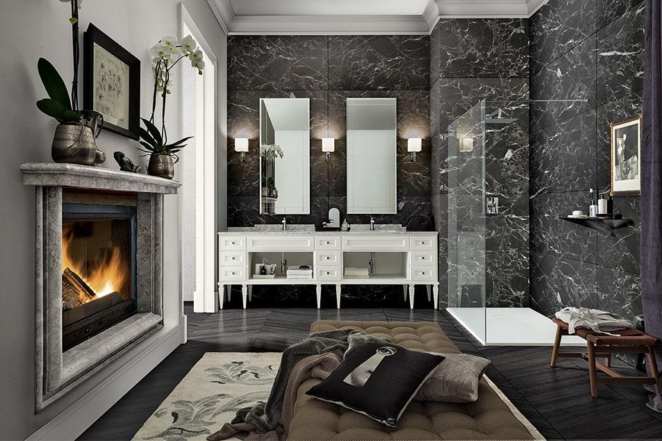 York, raffinata composizione con mobile bagno dal piano in Marmo Bianco di Carrara e doppio lavabo