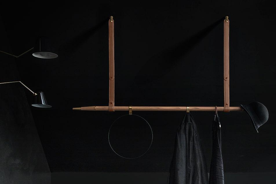 Design Cerasa, Barra a soffitto appendiabiti Free